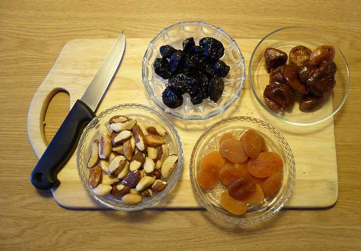 Полезный рецепт из чернослива: польза сливы для организма